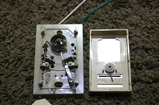 USED RV HONEYWELL WALL THERMOSTAT FOR SALE