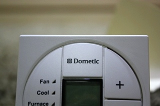 USED DOMETIC SINGLE ZONE LCD THERMOSTAT 3313197.000 RV PARTS FOR SALE
