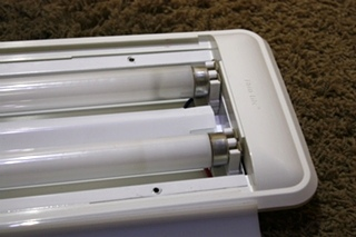USED MOTORHOME THIN-LITE 766NS LIGHT FIXTURE FOR SALE