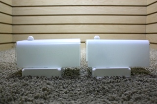 USED MOTORHOME SET OF 2 WHITE WALL SCONCE LIGHT FIXTURES FOR SALE